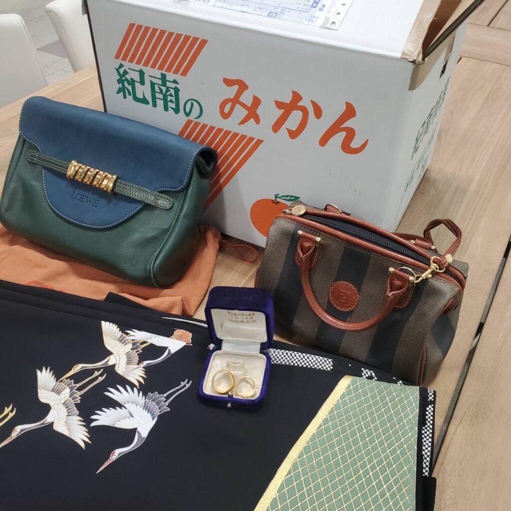 FENDI LOEWEバッグ、金の指輪の査定89,236円